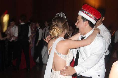 King and Queen's first dance
